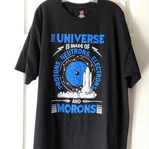 The Universe graphic short sleeve T-shirt EUC